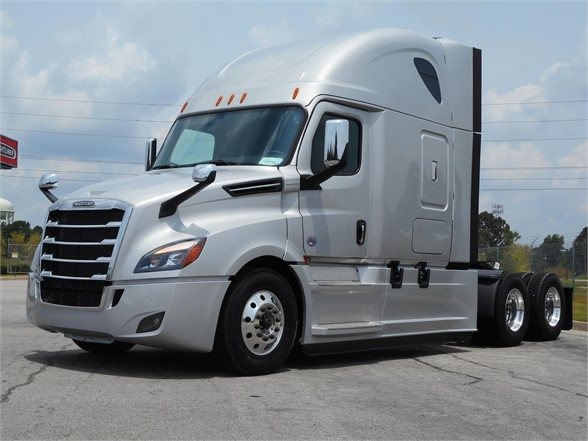 2020 freightliner cascadia 126 - conventional sleeper truck in jefferson  georgia