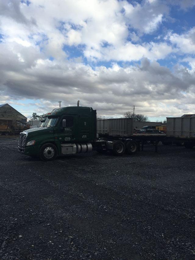 2012 Freightliner Cascadia/CA125SLP$32,000