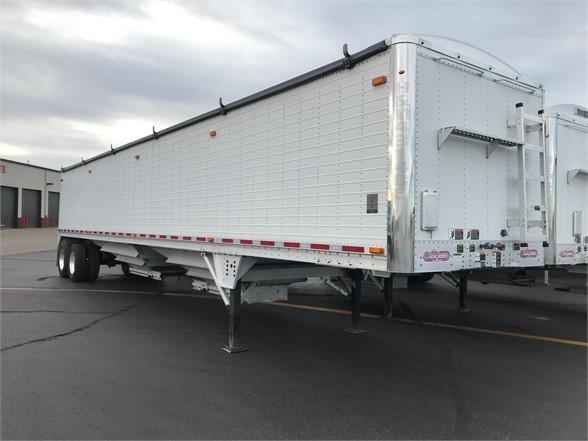 2014 Wilson 43' air ride grain hopper trailer, aluminum wheels