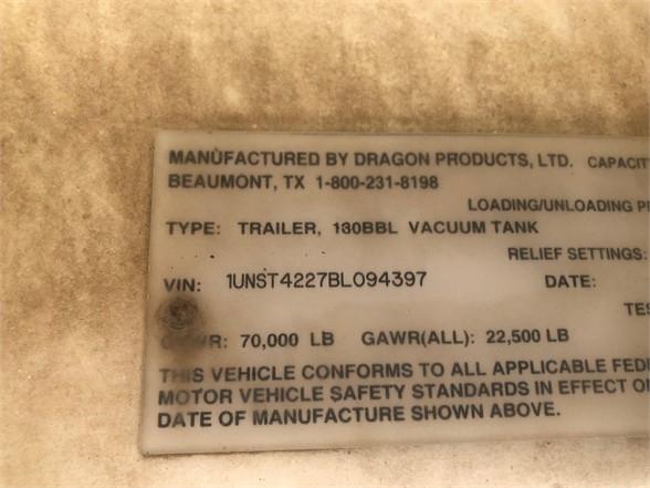 2011 Dragon 42' 130 bbl water tanker, cat walk, spiring ride,