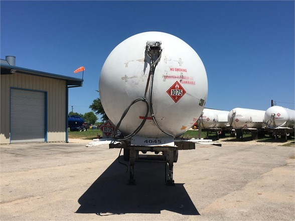 1977 Trinity 10500 gallons 265 psi propane tanker