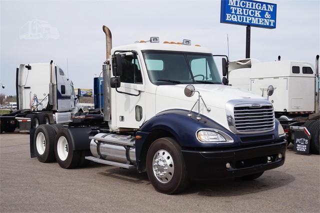 2005 Freightliner COLUMBIA 120$24,900