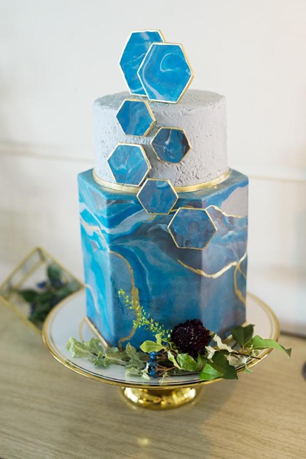 Modern geometric wedding cake inspired by blue agate stone