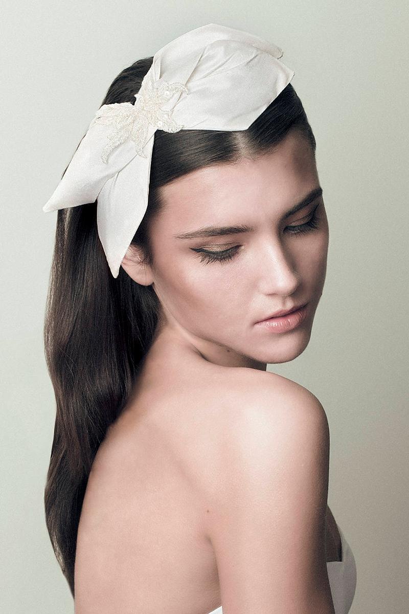 Preppy silk bow headband as a bridal veil alternative