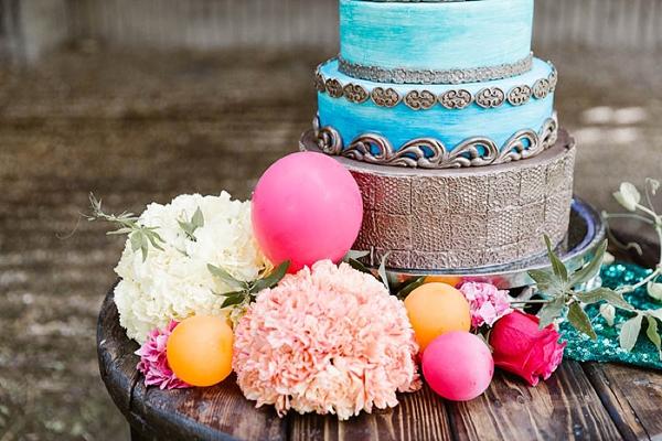 Mini balloons for wedding cake decoration