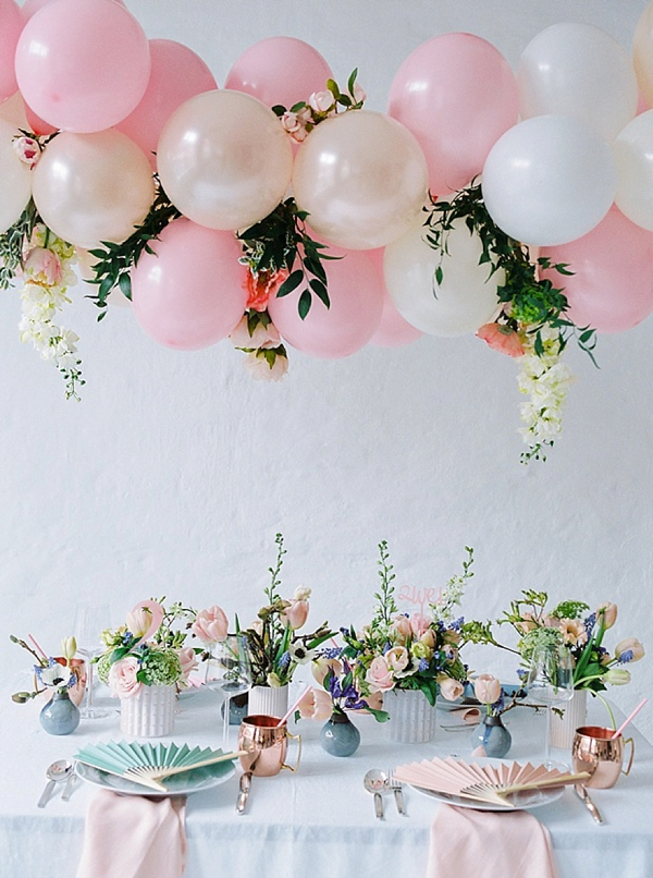 Suspended balloon wedding centerpiece for reception table