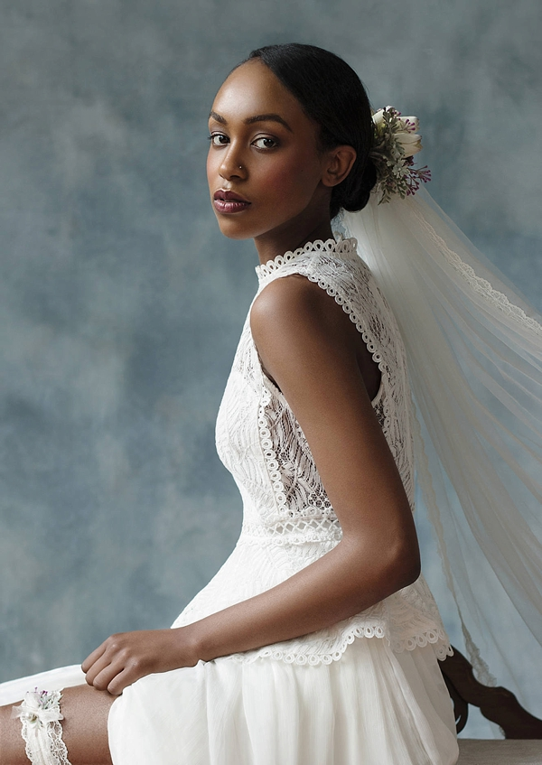 Lace scallop edged wedding veil with floral detail