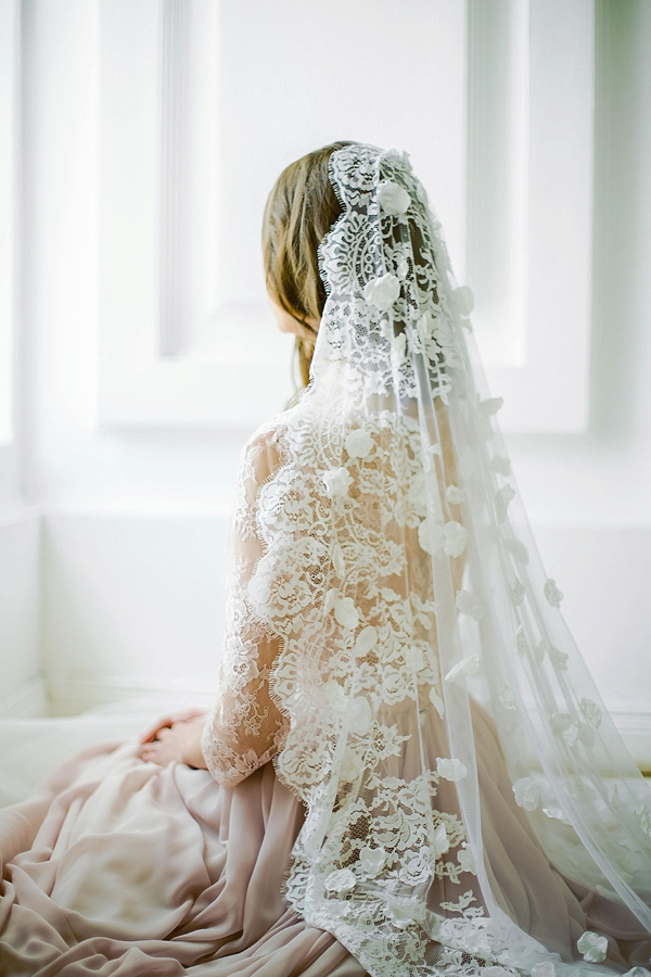 Knee length veil with scalloped edge and delicate fabric petals