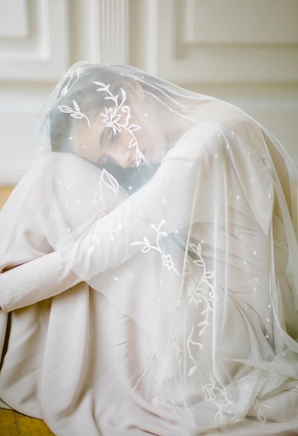 Vine embroidered fingertip bridal veil
