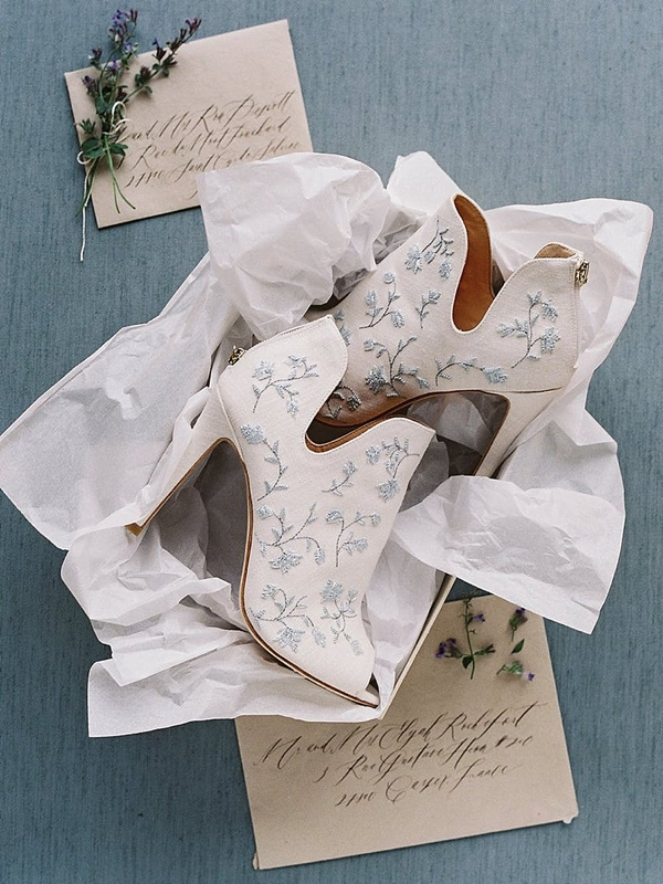 Embroidered wedding bridal booties