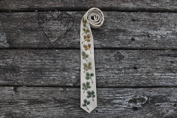 Embroidered wedding necktie with autumn leaves