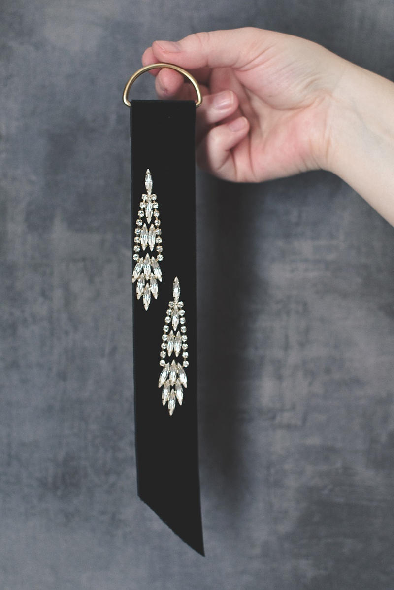 Black velvet ribbon earring tag DIY project