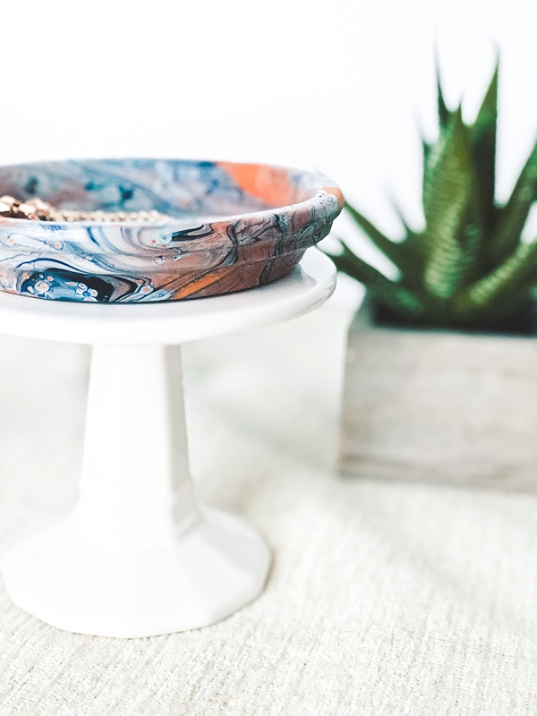 How to marble terra cotta saucers