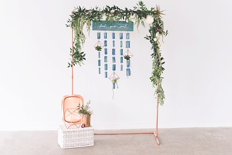 Ways to make your wedding seating chart pretty and handmade