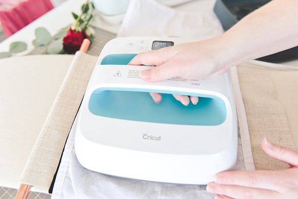 Cricut EasyPress to make iron on easy
