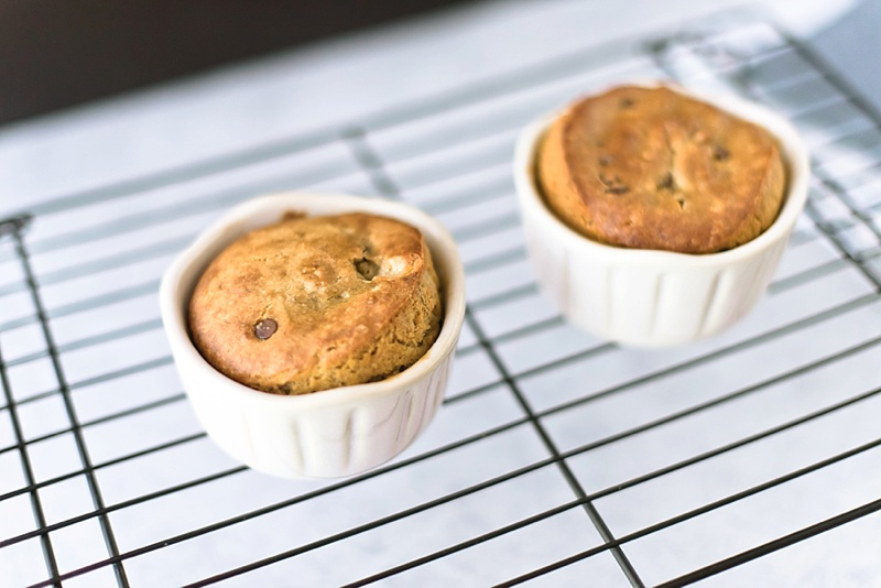 How to bake an upside down caramelized banana mini cakes