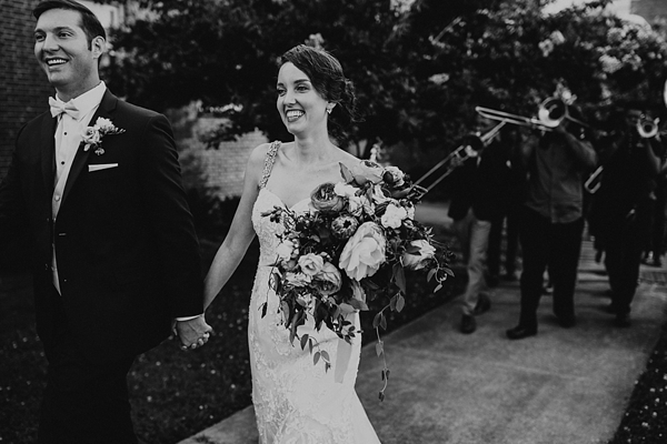 Vintage glam wedding day in Coastal Virginia