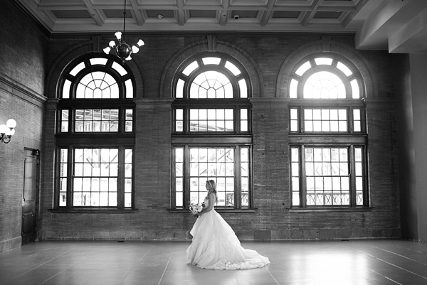 Urban bridal session at Main Street Station in Richmond Virginia