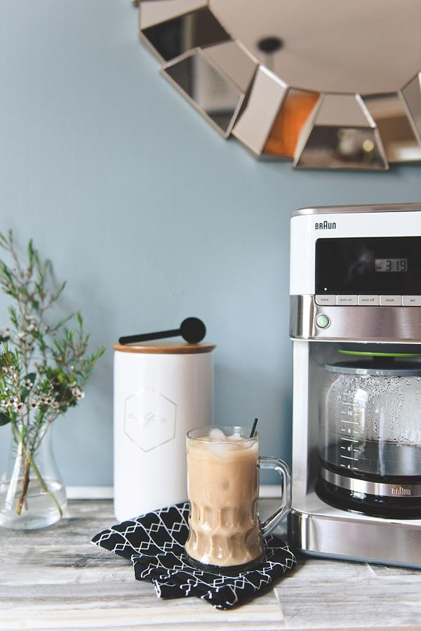 Modern chic newlywed kitchen ideas with white Braun BrewSense Coffee Maker