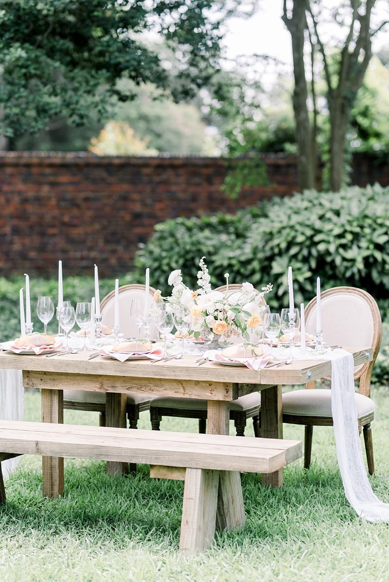 Elegant farm table ideas for outdoor wedding