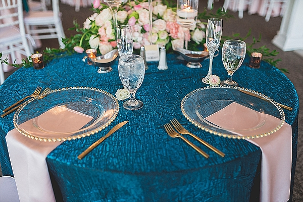 Teal wedding sweetheart tablecloth and blush napkins