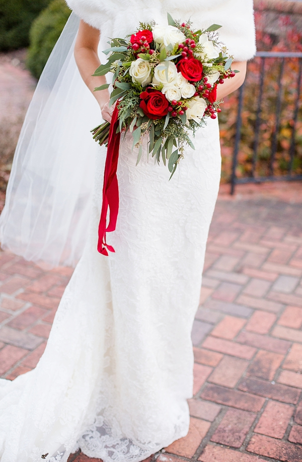 Rustic Red and White Christmas Wedding in Williamsburg | Tidewater ...