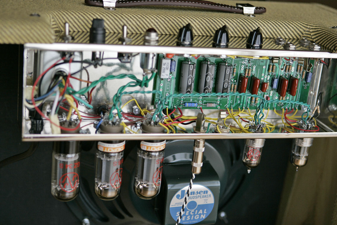 Welcome To This Is A Kit Of Electronic Partswhich Will Allow You Build Mw Am The Amp Very Silence Right Now So Im Going Play Again Amazing Thanks Brian Ignacio G Buy Tweed 5e3