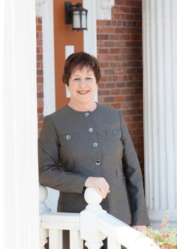 Photo of Lori Bettis - Funeral Director