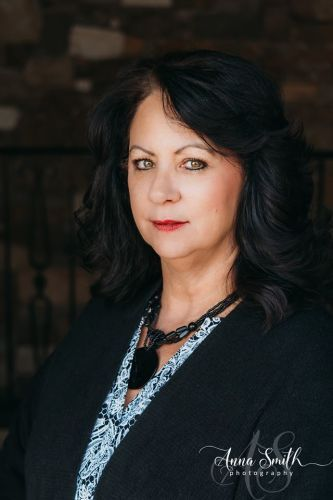 Photo of Glenna Jones - CFO/ Kentucky LIcensed Funeral Director