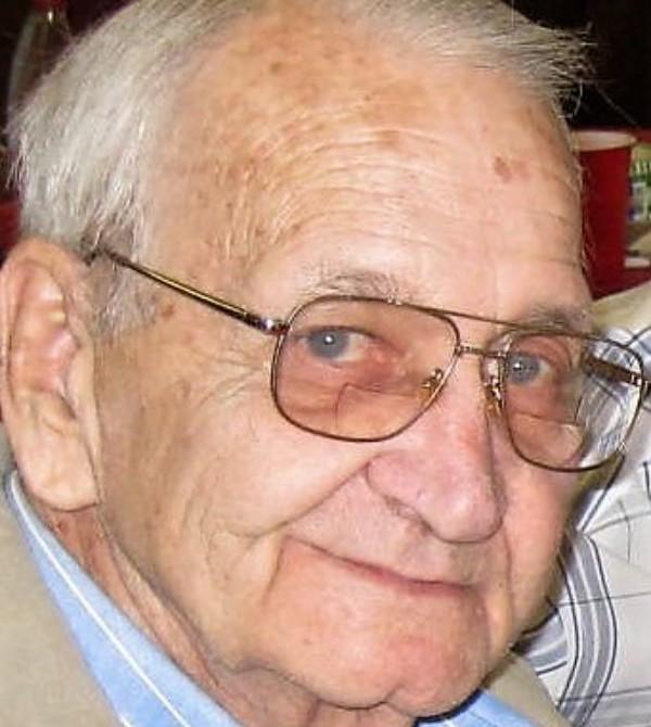 Robert  D. (Bob) Benson