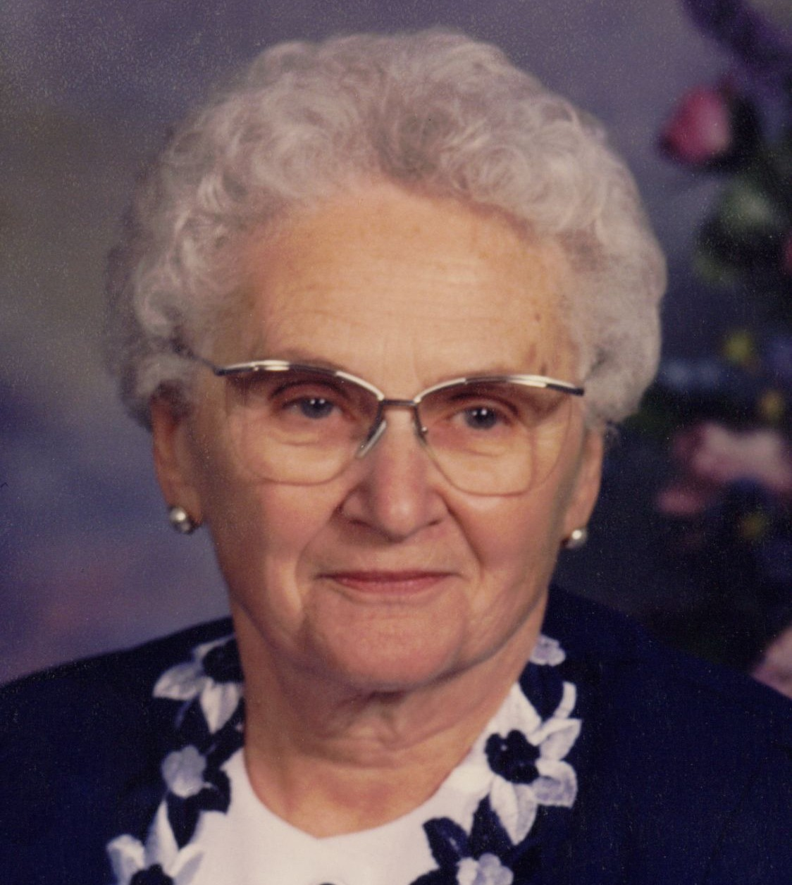 Helen L Vavruska