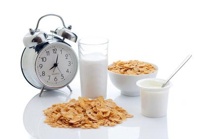 Come regularemente tres veces al día