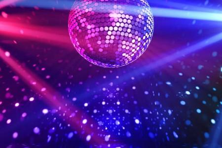 Propuestas para la Noche de la Nostalgia en todo Rocha: cena shows, bailes y fiestas