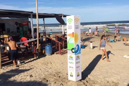 Rocha WIFI en playa La Aguada, Parada 12 en La Paloma