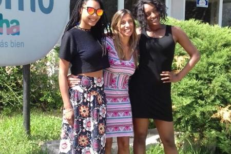 Rene Gardener, Ana Claudia Caram y Sophia Wonder en la Casa del Turismo de Rocha