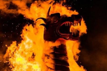 Celebra la llegada del invierno con las Hogueras de San Juan en Rocha: música, fogones, charlas