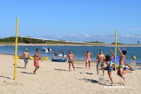 Actividades deportivas gratuitas en playas de Rocha. Días y horarios