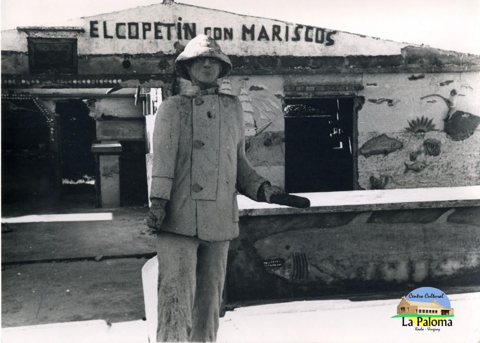 Frente del local de Lucho en el Puerto de La Paloma