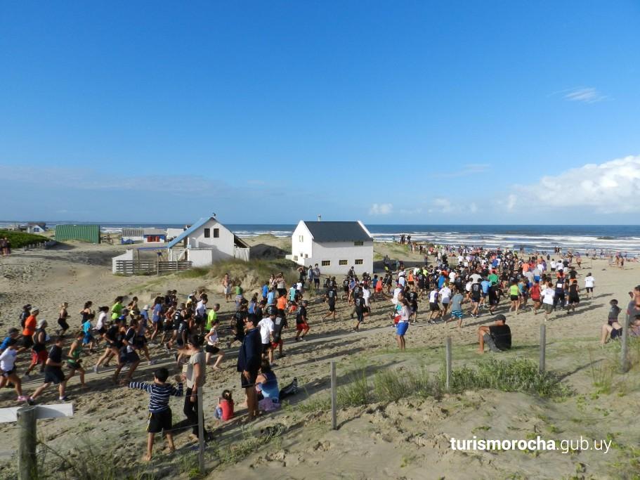 Travesía de verano de Barra de Valizas a Aguas Dulces por la playa