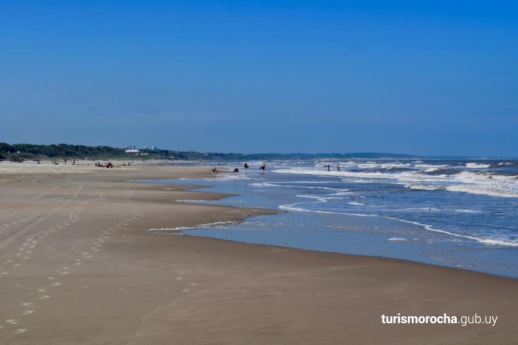 Las Maravillas Beach, La Coronilla