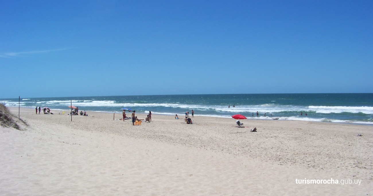 Praia La Esmeralda, La Esmeralda