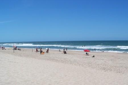 Playa de La Esmeralda, para disfrutar en familia y contemplar la naturaleza en serenidad en Uruguay