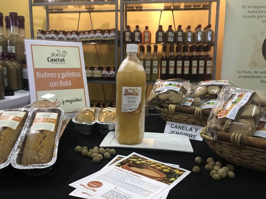 Jugo de butiá, fruto de los Palmares de Rocha, Uruguay