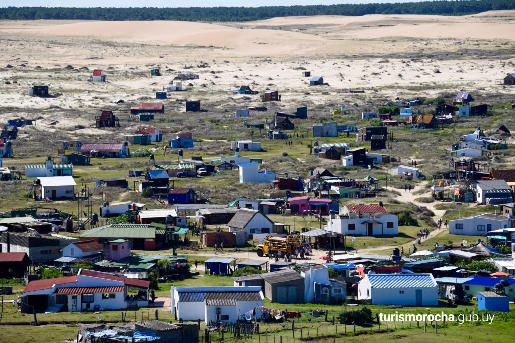 Vista del poblado desde el Faro de Cabo Polonio