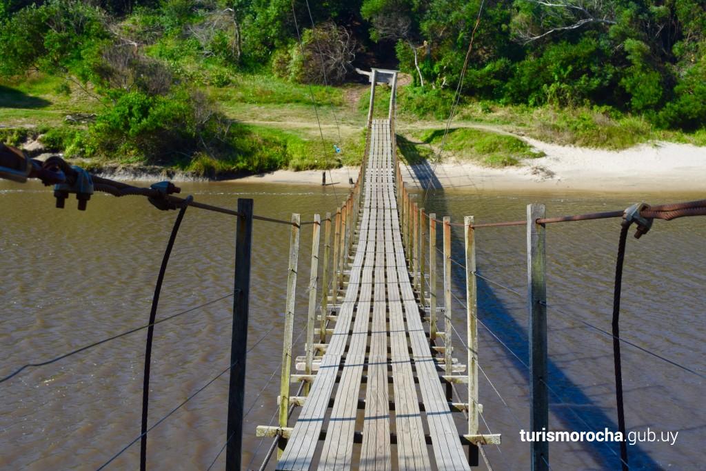 Puente colgante, La Coronilla