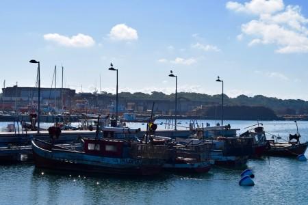 Muelle de atraque para barcas de pesca artesanal