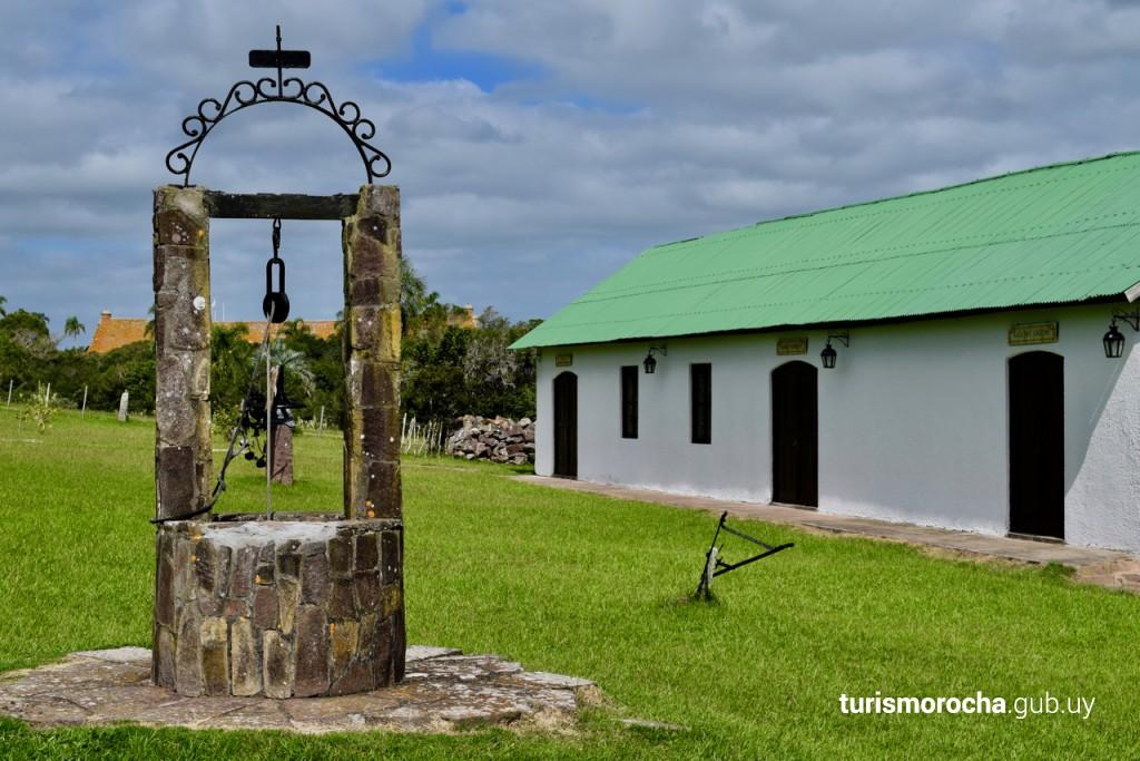 Cementerio histórico y museo criollo en el Fuerte de San Miguel