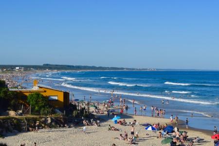 Vista hacia Costa Azul un día de verano