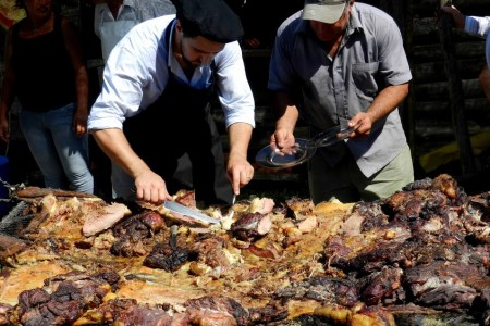 Festival of asado con cuero in Lascano: tradition of Uruguay