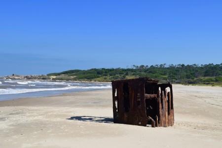 Naufrágio: navio Porteña na praia de La Coronilla em Rocha, Uruguai
